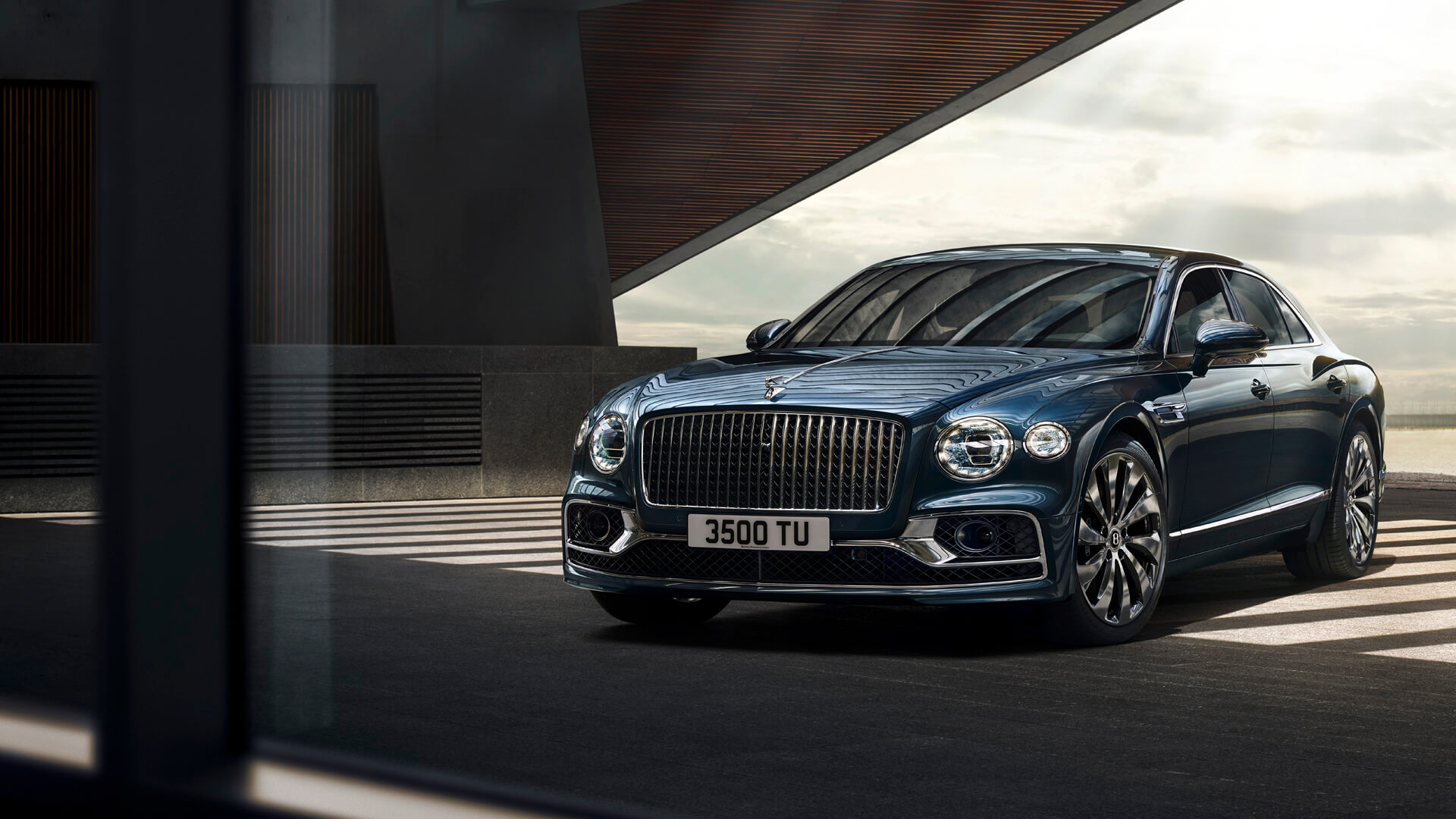 THE NEW FLYING SPUR TOUR
